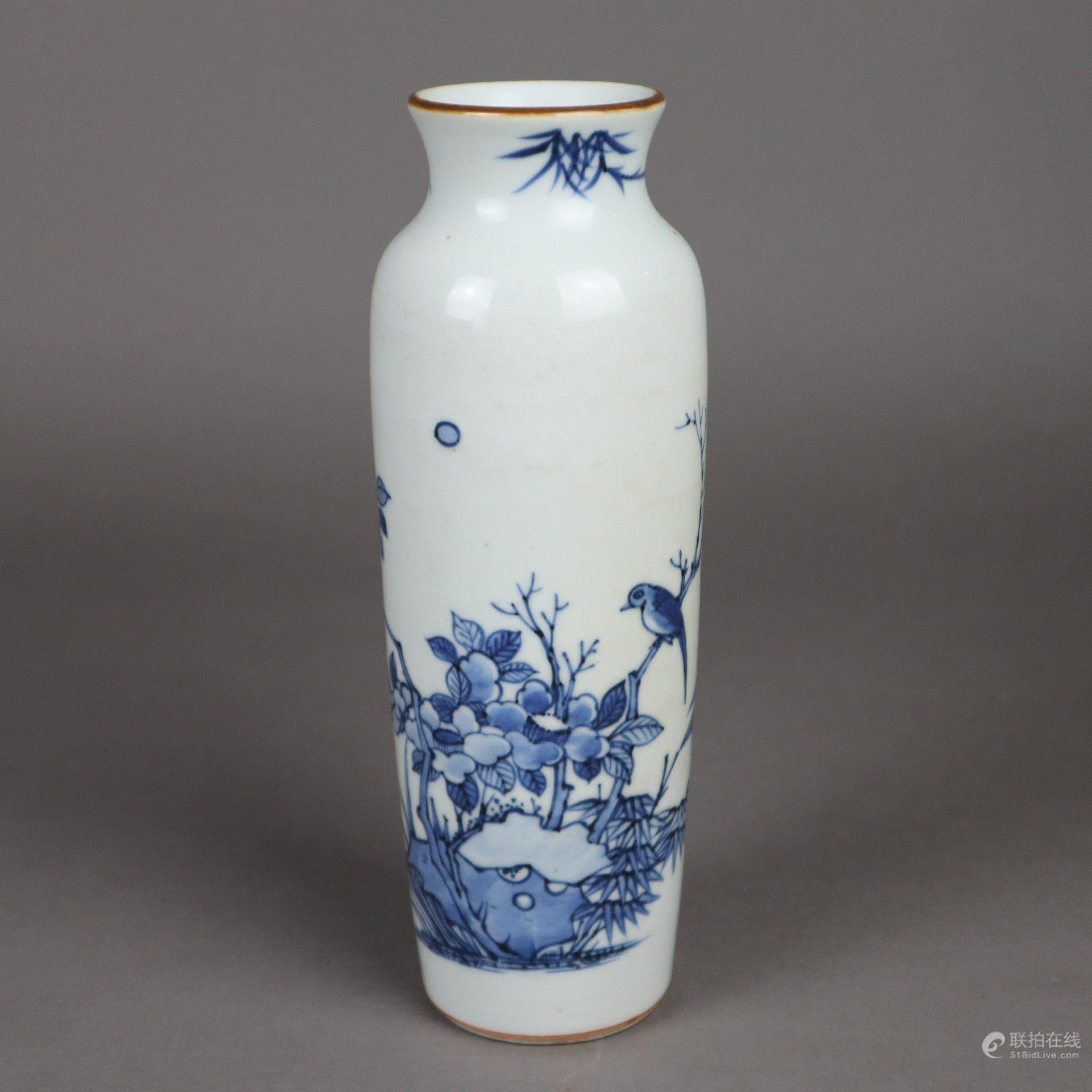 青花花鸟纹瓶