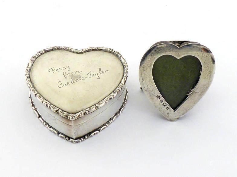 51BidLive-[A small Edwardian silver heart-shaped photograph frame by ...