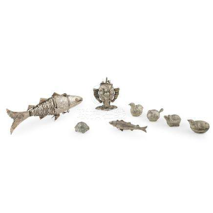 TWO INDIAN SILVER ARTICULATED FISH-SHAPED CONDIMENT BOXESLATE 19TH/EARLY 20TH CENTURY together