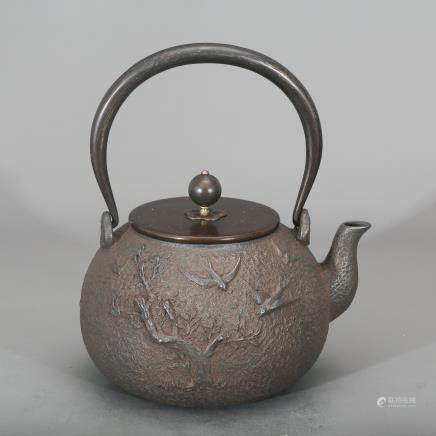CHINESE IRON TEA POT QING DYNASTY