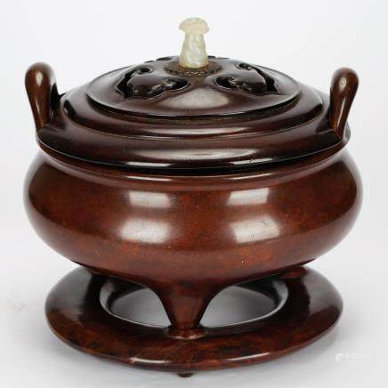 CHINESE BRONZE TRIPOD CENSER WITH COVER MING DYNASTY