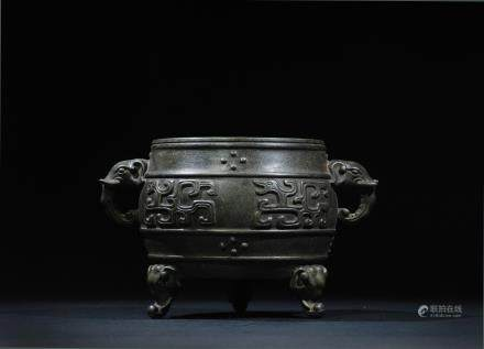 CHINESE BRONZE CENSER WITH FOOLIONS