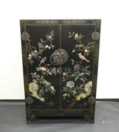 黑漆鑲嵌花鳥雙門柜