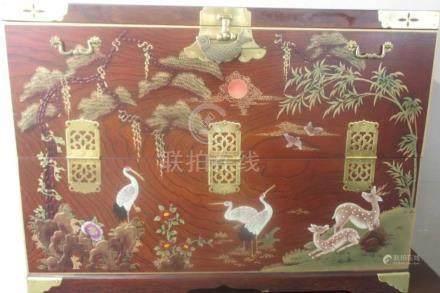 紅木金漆柜