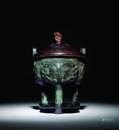 西周青铜兽面纹三足鼎