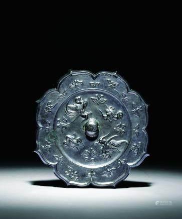 唐水禽纹菱花镜