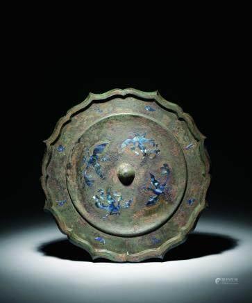 唐青铜嵌螺钿凤凰八菱镜