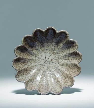 南宋哥釉菊花盤