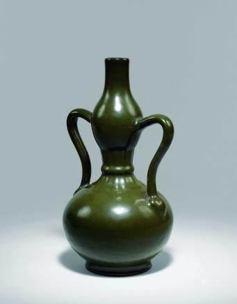 清乾隆茶叶末如意耳葫芦瓶