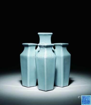 清乾隆天藍釉五聯方瓶