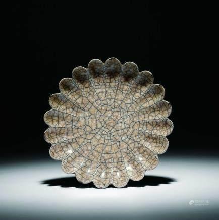 宋-明哥釉菊瓣盤
