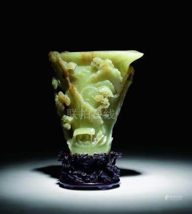 清黃玉仿犀角赤壁夜遊杯