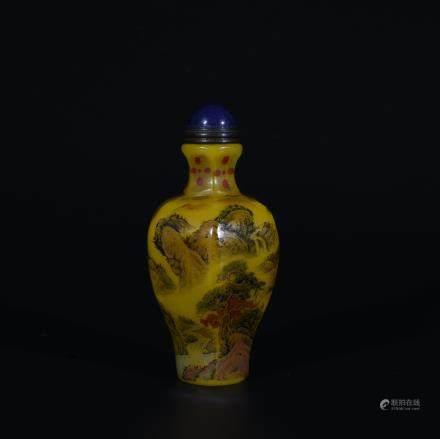 Yongzheng Mark, A Painted Snuff Bottle