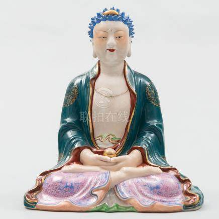 """""""Buda de la Felicidad con pelo azul"""" Figura escultórica en porcelana china familia rosa. Trabajo Chino, Siglo XX."""