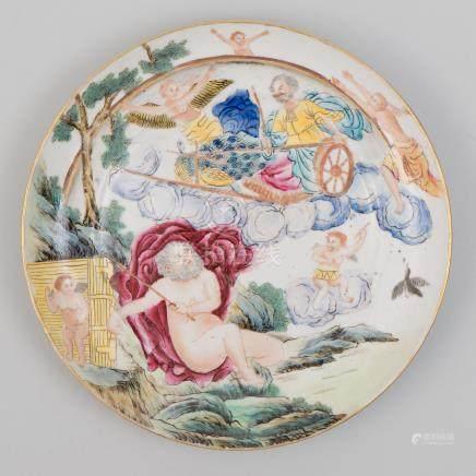Plato en porcelana china. Trabajo Chino, Siglo XIX.