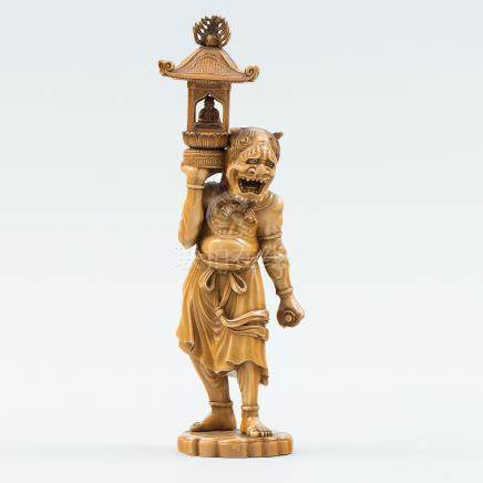 """""""Dios Mitológico"""" Figura Japonesa periodo Meiji realizada en marfil tallado. Trabajo Japonés, Siglo XIX."""