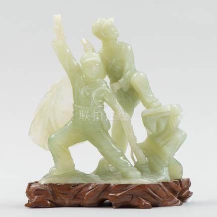 """""""Soldados"""" Grupo escultórico en jadeita color verde. Trabajo Chino, Siglo XX."""