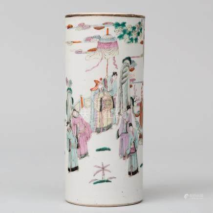 Jarrón cilíndrico en porcelana china familia rosa. Trabajo Chino, Finales del siglo XIX-XX
