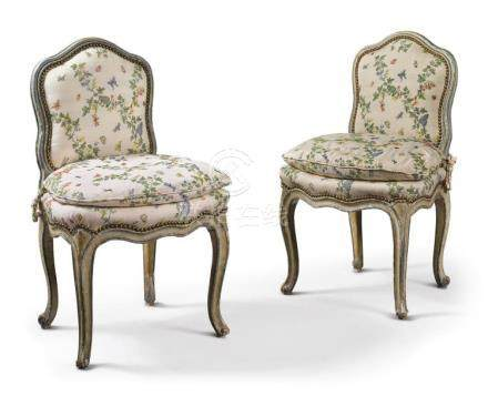 A PAIR OF LOUIS XV BLUE- AND GRAY-PAINTED CHAISESÀ LA REINE