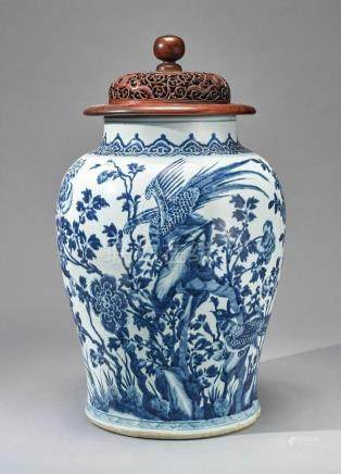 A CHINESE BLUE AND WHITE JAR AND A COVER 19TH CENTURY |