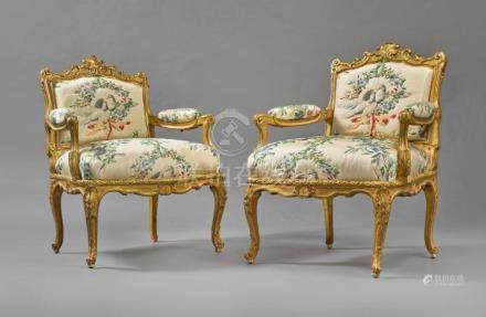 A PAIR OF LOUIS XV GILTWOOD FAUTEUILS À CHÂSSIS BY MICHEL CR