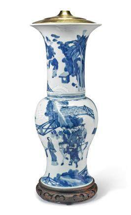 A CHINESE BLUE AND WHITE 'YEN-YEN' VASE QING DYNASTY, KANGXI