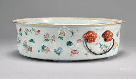 A CHINESE FAMILLE-ROSE BASIN SECOND HALF OF 19TH CENTURY |