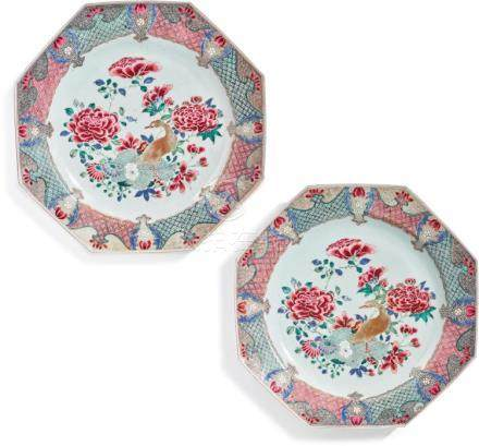 A PAIR OF CHINESE EXPORT FAMILLE-ROSE OCTAGONAL CHARGERS CIR