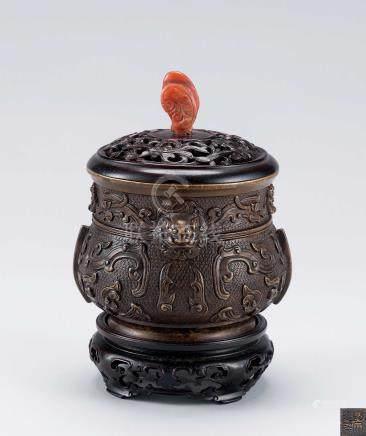 清初 铜兽面纹香炉