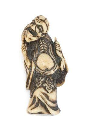 JAPANESE BONE NETSUKE In the form of Gama Sennin