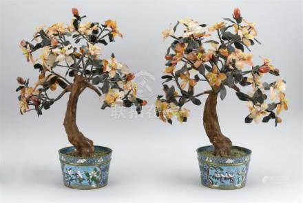 PAIR OF CHINESE AGATE AND JADE HARDSTONE TREES With carnelia