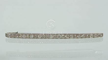 Broche en platine sertie de diamants taille ancienne pour un