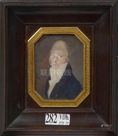 """""""Portrait d'homme"""" miniature sur ivoire. Signé en bas à gauc"""