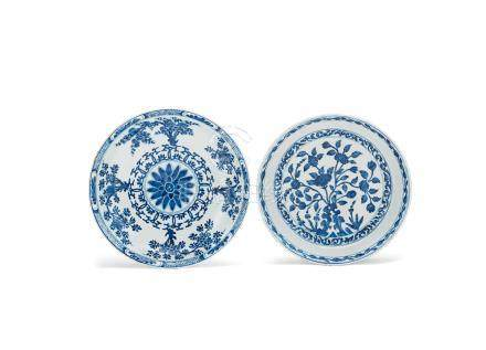 Two blue and white dishes Kangxi (2)
