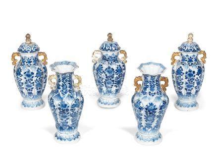 A blue and white five-piece garniture Kangxi (8)