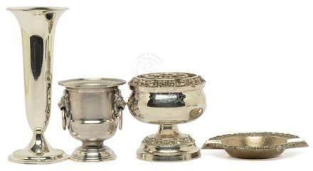 銀花卉碟 連鍍銀器三件 (共4件)