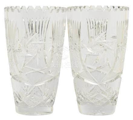 水晶刻花瓶一對