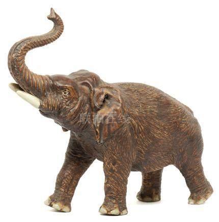 石灣窰褐釉象