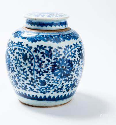 A BLUE AND WHITE GINGER POT WITH LID