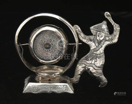 CHINESE EXPORT SILVER TEA STRAINER IN DRUM FORM