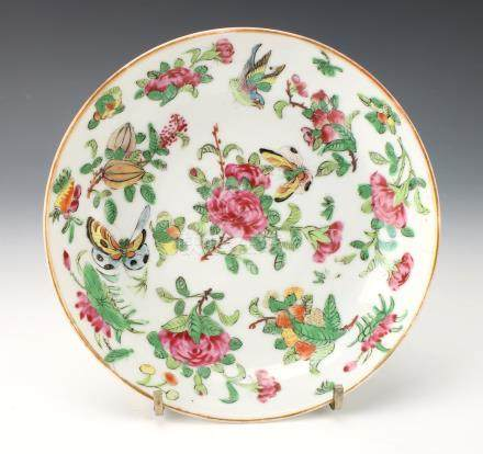 19TH CENTURY FAMILLE ROSE SAUCER
