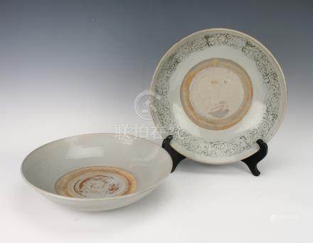 TWO 17TH CENTURY SWATOW BOWLS