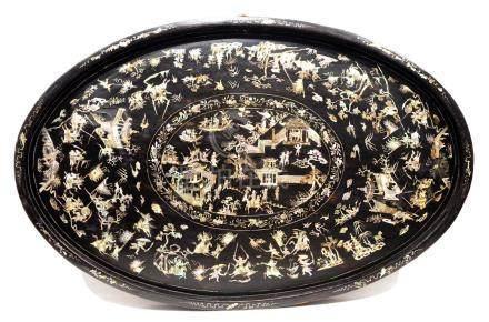IMPORTANT PLATEAU, CHINE ca.1800