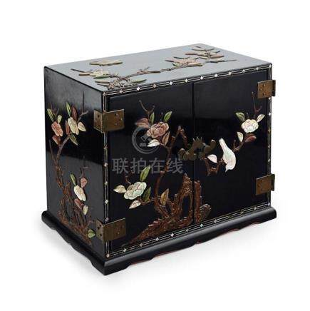 MOTHER-OF-PEARL AND HARDSTONE INLAID LACQUER CHEST QING DYNA