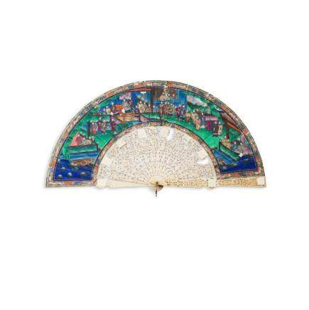 Y CANTON PAINTED AND CARVED IVORY FAN QING DYNASTY, 19TH CEN