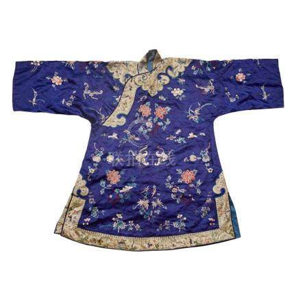 LADY'S EMBROIDERED BLUE SILK ROBE QING DYNASTY, 19TH CENTURY