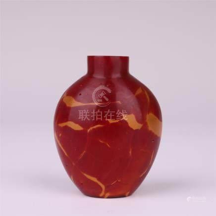 CHINESE RED PEKING GLASS SNUFF BOTTLE