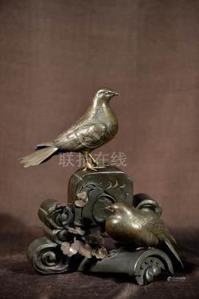 Japanese Meiji Bronze Pigeon Group - Tokyo School -