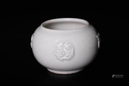 Chinese 18 century whitewash pot