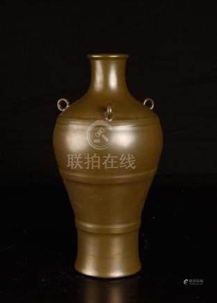 Chinese Tea dust porcelain vase